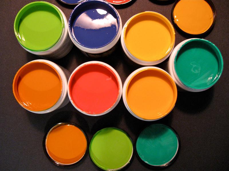 یزرگترین تولید کننده رنگ های صنعتی و ساختمانی در ایران