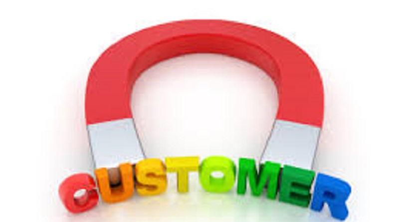 نظرات مشتریان چگونه به توسعه کسب و کار کمک میکند؟