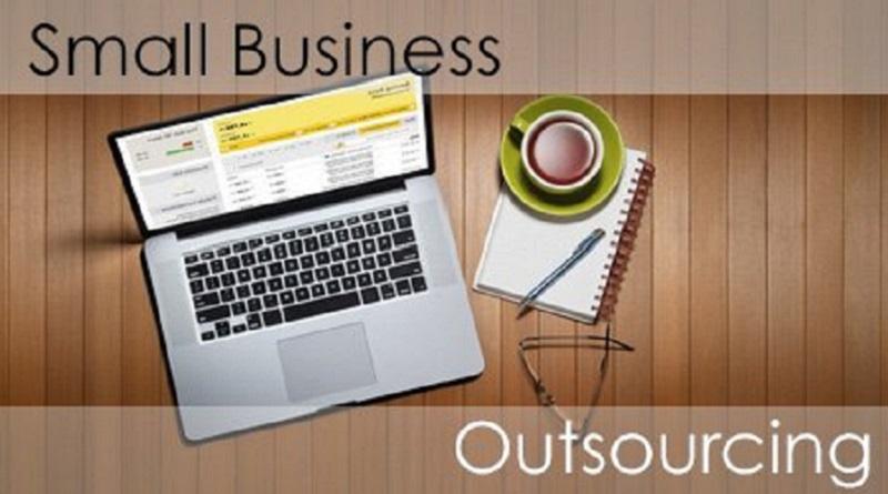 آیا کسب و کارهای کوچک باید بازاریابی دیجیتال را برونسپاری کنند؟