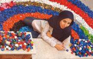 دختر ایرانی که در بطریهای پلاستیکی زندگی می کند