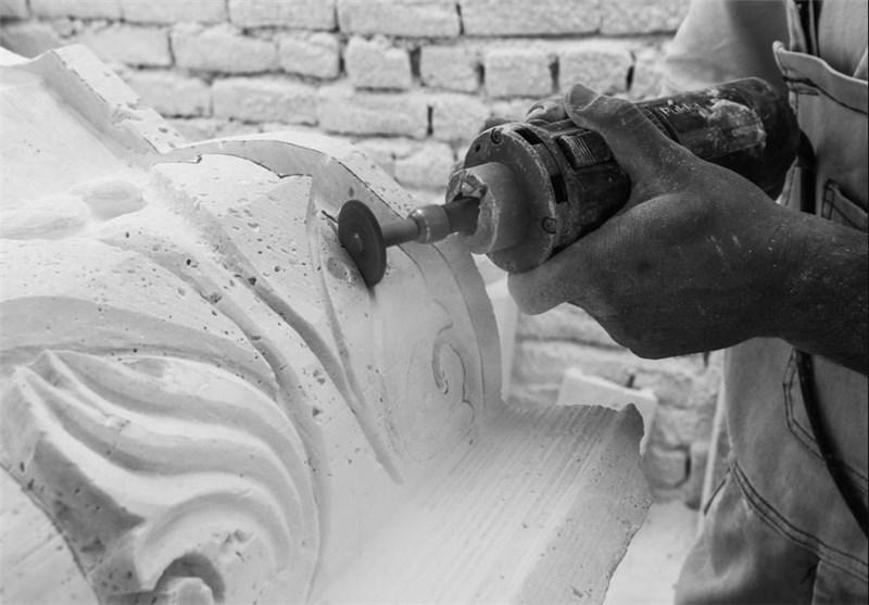 کارآفرینی با سنگتراشی/ هنرمند مشهدی برای زندانیان اشتغال ایجاد میکند
